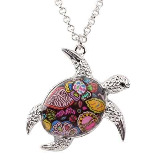 collier tortue à motif multicolore fleurie rouge, rose, et jaune