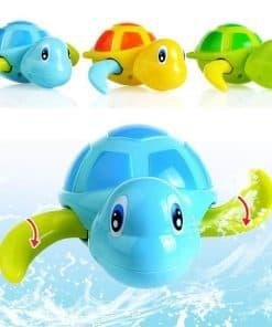 jouet tortue qui nage pour le bain enfant