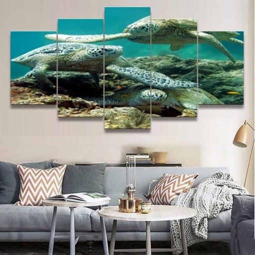 Tableau d une famille de tortues de mer pentatyptique