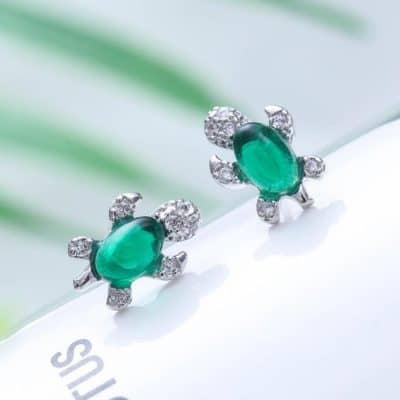 boucles d'oreille tortue dotées d'une pierre Jade